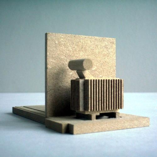 07-01-w-trafostation-skulptur-modell-trafo-2001